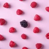 Il succo di Mora di Premium Fruit è solo 100% Frutta ✨💜 Racchiuso in un barattolino ci sono tutte le proprietà di questo Frutto Unico!!!✨ Le More infatti sono ricche di vitamina C, un potente antiossidante, che svolge funzioni chiave in molti fondamentali processi fisiologici, fra cui la risposta immunitaria. Contengono inoltre vitamina A, vitamina E che protegge la pelle e vitamina K, importante per la salute delle ossa e regolatrice dei meccanismi della coagulazione sanguigna. Anche le vitamine del gruppo B sono ben rappresentate, fra cui l'acido folico, pertanto il loro consumo è consigliato in gravidanza 🤰🏽✨💜    •SCONTO -20% (sul prezzo unitario) dal 4 al 10 GENNAIO  •SPEDIZIONE GRATIS per ordini da 89€  •ACQUISTA 4 CONFEZIONI e RISPARMIA   #premiumfruit #lasaluteènellespremute !!!