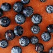 MIRTILLO NERO ▪️ - Alleato del Microcircolo   I mirtilli neri sono dei Superfood 💥 Hanno molteplici proprietà benefiche per l'organismo ✨😌 Il succo di queste bacche contenuto in Premium Fruit Mirtillo Nero è infatti un aiuto per la circolazione, ma anche fonte di vitamine A e C, e soprattutto un concentrato di sostanze antiossidanti! 🖤✨  #premiumfruit #premiumfruitmirtillonero  #succodifrutta #succhidifrutta #succofrutta #succodimirtillonero #succomirtillonero #succomelagrana #spremutedifrutta #spremutadifrutta #succhinaturali #succonaturale #succosenzazucchero #succhisenzazucchero #spremutasenzazucchero #spremutasenzazuccheri #spremutanaturale #spremutenaturali #mirtillonero #mirtillineri #antiox #antiossidante #succoantiox #succoantiossidante #microcircolo #healthyfood #juicing #freshjuice #blackberry #blackberries